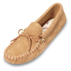Minnetonka Leather Laced Softsole Moccasin for Men in Tan 8